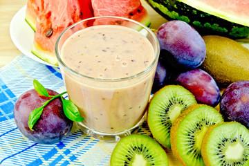Milkshake with kiwi and watermelon