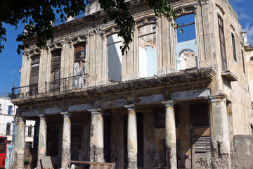 Havana - the Paseo del Prado, decay facade of colonial building
