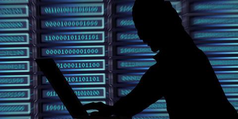 sf53 ServerFront subtitle39 - hacker attack - dark - 2to1 g3511