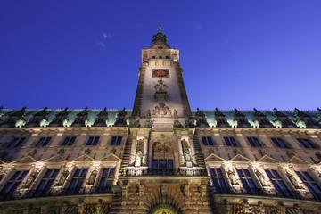 Rathaus im Abendlicht – Hamburg