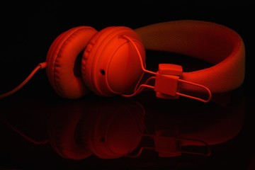 Casque audio orange