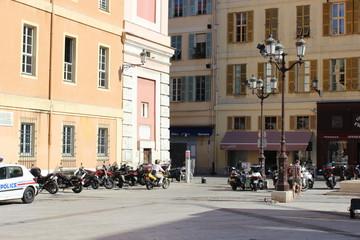 На улице в Ницце