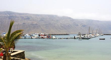 Panorámica del puerto de La Graciosa, Canarias