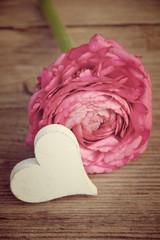 Postkarte - Herz mit Blüte - nostalgisch