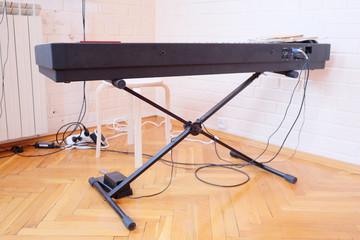 Closeup synthesizer