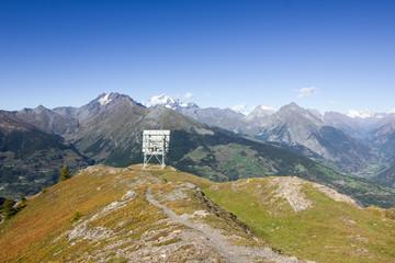 Antenna ripetitore in montagna