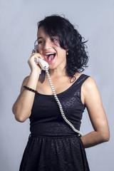risas al teléfono