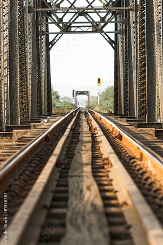 Railway bridge - 81376297
