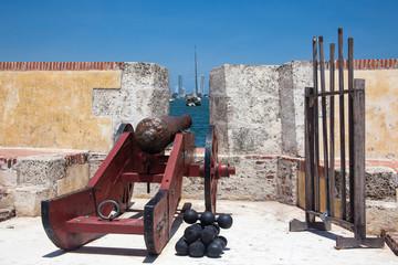 Cañón en el Fuerte de San Sebastian del Pastelillo