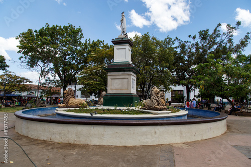 Leinwanddruck Bild Leon Nicaragua, central park view with Cathedral at background
