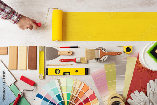 Painting and decorating DIY banner - 81384869