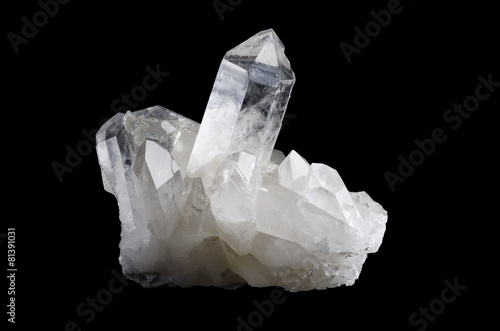 Aluminium Edelsteen Quartz Crystal Cluster Horizontal on Black Background