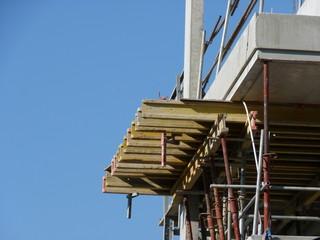 étaiement d'une dalle chantier de construction