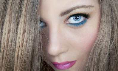 Blue eyes beautiful make up