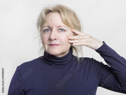 facelift ältere Frau poster