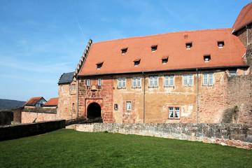 Burg Breuberg im Odenwald - Torbau der Vorburg