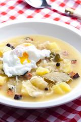 sauerkraut soup with veiled egg
