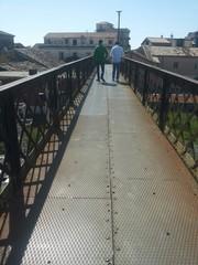 Passeggio sul ponte