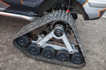 Tracks of all-terrain cross-country vehicle