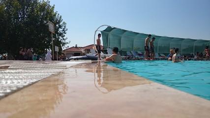 Havuz kenarı 1