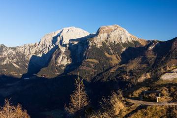 Bergkette bei Sonnenuntergang