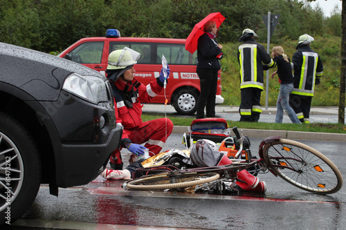 Radfahrer-Unfall - 81473262