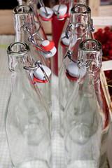 Bügelverschlussflaschen für selbstgemachten Sirup