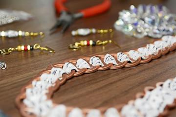 selbst gebastelter Schmuck, Halskette, Ohrringe