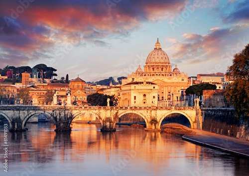 Vatican city with St. Peter's Basilica - 81491033