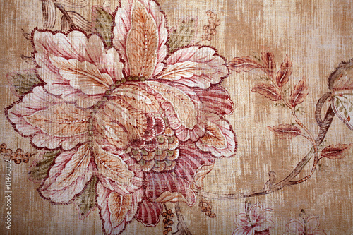 Vintage shabby chic brown wallpaper with floral pattern © Inna Felker