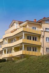Moderne Wohnhäuser in angesagtem Viertel