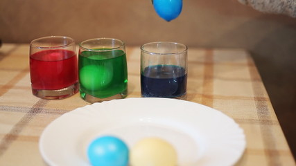 Coloring eggs in bright colors