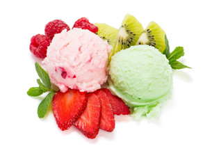 Ice cream with fresh berries and mint