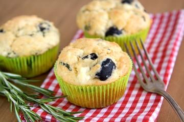 vegetarische Muffins mit Kräutern
