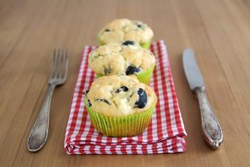 Herzhafte Muffins und Silberbesteck