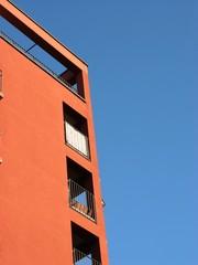 Modernes Apartmenthaus mit Balkons und Dachterrasse  im Ostend