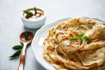 Roti Canai et son curry dhal, Malaisie