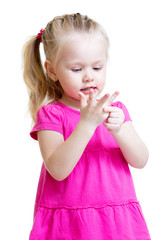 child girl counting on fingers of her hands