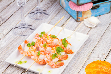 Shrimps with green butter sause