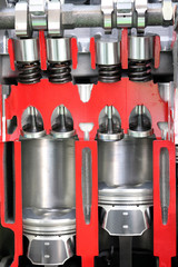 car engine pistons and valves