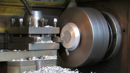 Manufacturing of details on a lathe.