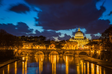 Night comes in Rome