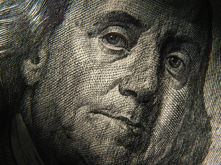 Benjamin Franklin's portrait is depicted on the $ 100 banknotes