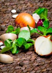 garlic, onion and salade