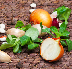 onion and salade
