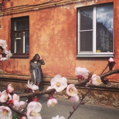 девушка и весна