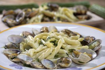 macaroni clams and zucchini