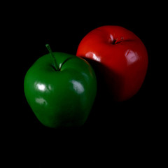 Red apple and green apple.