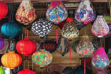Handicraft colorful lamps