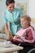 Showing nurse a picture